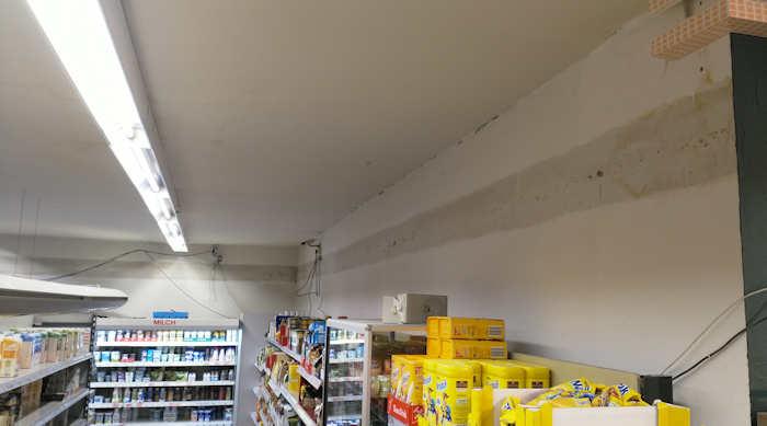 Kühlschrank Zierleiste : Rechte ladenseite ohne zierleisten der shop ger