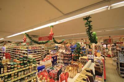 Outlet Weihnachtsdeko.Bilder Vom Weihnachtsdeko Aufbau 2011 3 4 Der Shopblogger