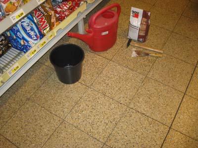 N chtliche arbeiten der shopblogger - Fliesen losen ohne beschadigung ...