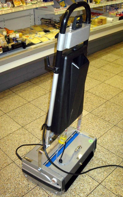 Sehr Die neue Reinigungsmaschine | Der Shopblogger YS66