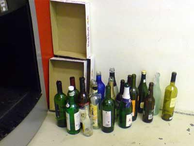 Fußboden Cent ~ Flaschensammlung auf dem fußboden der shop ger